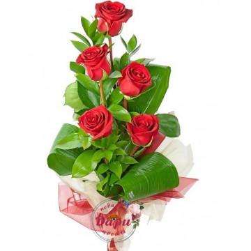 """Букет """"Несгораемая страсть"""" из красных роз и зелени (Арт.Б046) (Б046) фото 1"""