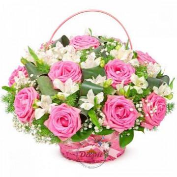 """Композиция """"Чарующая незнакомка"""" из розовых роз и альстромерии в корзине с зеленью (Арт.К030) (К030) фото 1"""